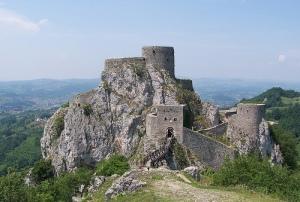Il castello di Srebrenik (fonte: ermaktravel.com)